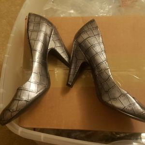 Jessica Simpson Maura Gray pumps 8B